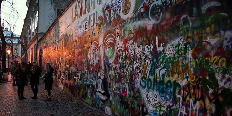 john lennon wall prague 800x400