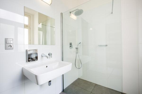 Sophie's Hostel Apartment Bathroom