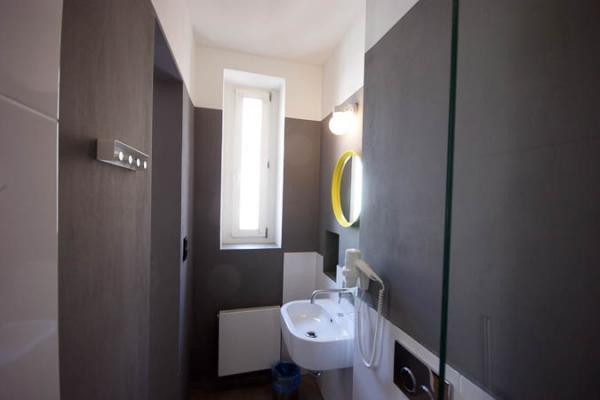 Sophies Hostel Dorm Room Bathroom